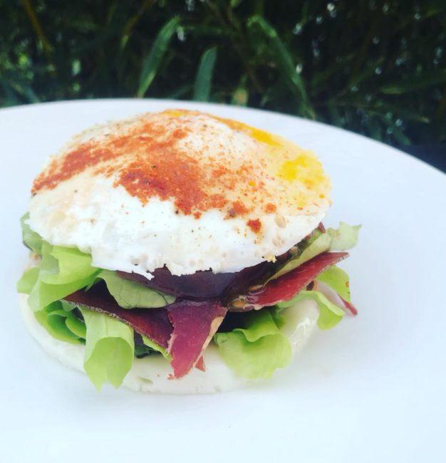 Un burger bon pour notre santé et peu calorique est-ce possible ?